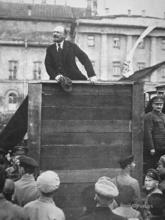 lenin-delivering-a-speech-in-a-moscow-square-with-trotsky-watching-1918